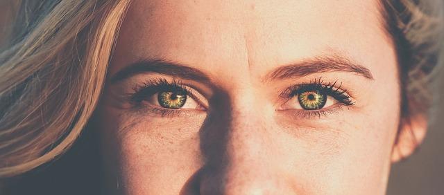 proteger tus ojos durante el verano